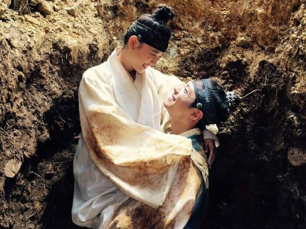 Gara-gara Adegan Kocak Ini Park Bo Gum dan Kim Yoo Jung Jadi Dekat