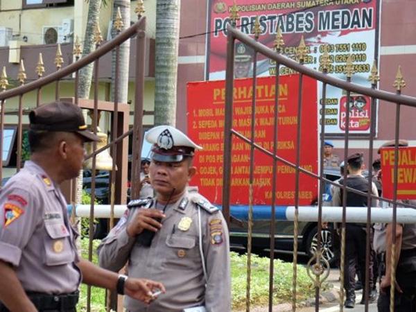 Detik-detik Pasca Ledakan Bom Bunuh Diri Polrestabes Medan, Tubuh Pelaku Disebut Hancur