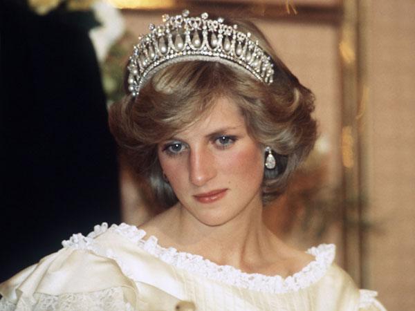 Bukan Hitam, Ini Warna Unik Eyeliner Favorit Mendiang Lady Diana