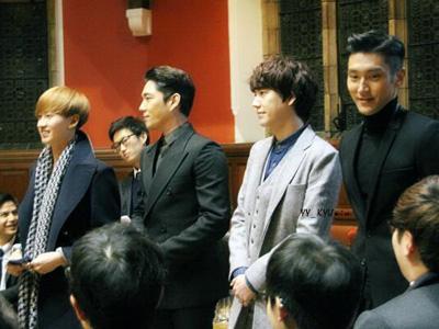 Super Junior Bangga Berikan Kuliah Khusus di Hadapan 400 Mahasiswa Oxford University