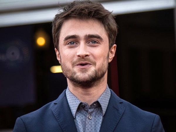 Daniel Radcliffe Tolong Sekelompok Turis yang Dijambret di London