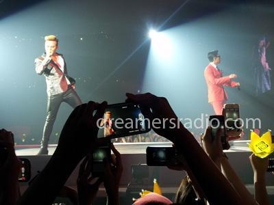 Duet G-Dragon dan T.O.P Sukses Hebohkan Para VIP Indonesia!