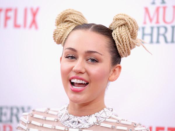 Pergi Tanpa Cincin Tunangan, Miley Cyrus Gagal Menikah Lagi?