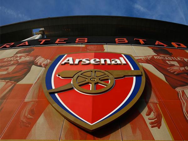 Tak Mampu Bayar Gaji Pegawai Jadi Alasan Arsenal Tidak Beli Pemain?