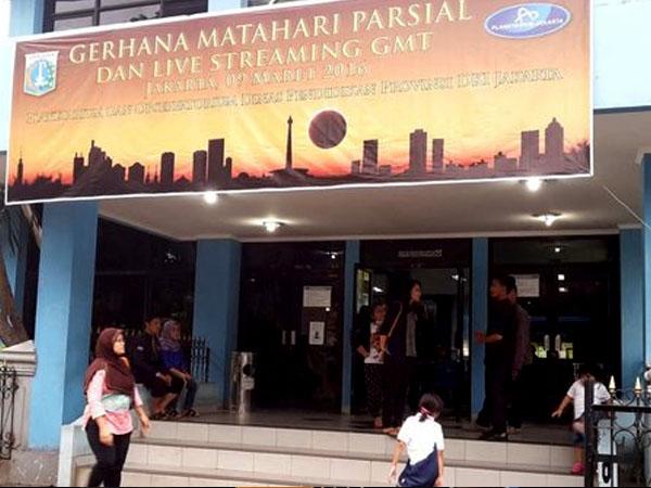 Ingin Saksikan Gerhana Matahari Total, Planetarium TIM Diserbu Warga
