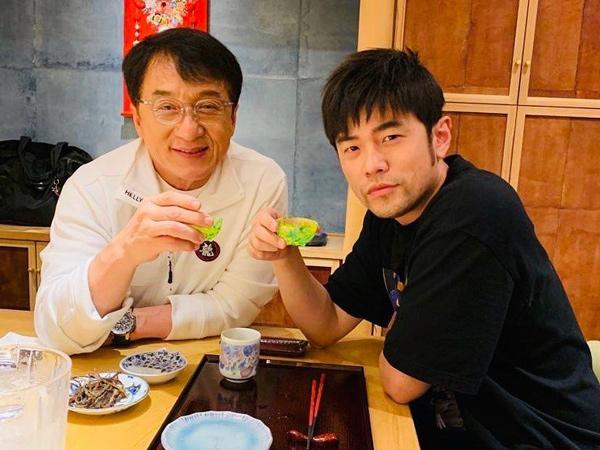 Situasi Hong Kong Memanas, Jay Chou Dikecam Karena Makan Bareng Jackie Chan