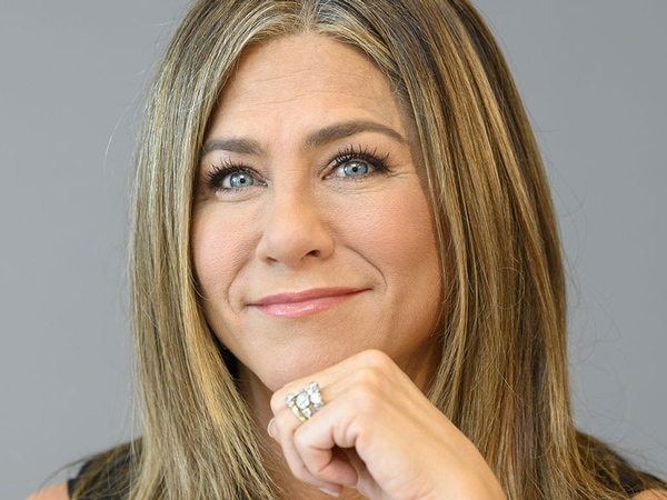 26jennifer-aniston-guinness-world-records.jpg