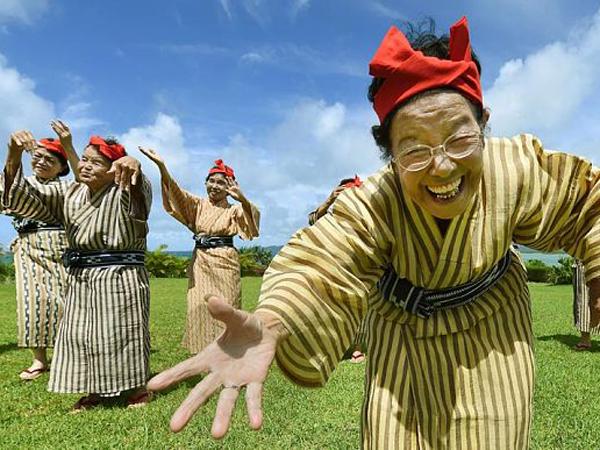 Kenalan dengan KBG84, Grup Idola Asal Jepang dengan Member Nenek-nenek