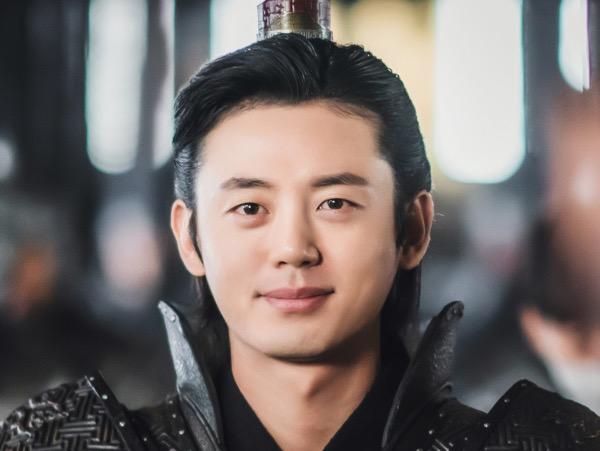 Lee Ji Hoon Buka-bukaan Soal Syuting Ulang dan Bayaran Drama River Where the Moon Rises