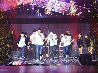 2PM Sukses Buka Rangkaian Tur Global di Shanghai