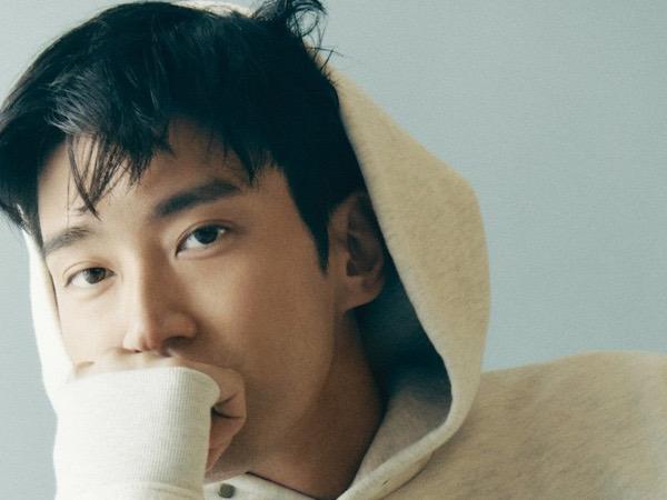 Biasa Formal Bak CEO, Choi Siwon Tampil Santai Bahas Drama Mendatang di Pemotretan Terbaru