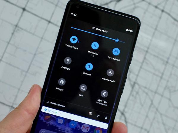 Google Pastikan Fitur Dark Mode Bisa Hemat Baterai Ponsel Android