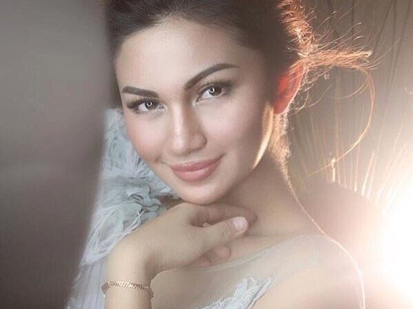 Seksi dengan Bibir 'Baru', Penampilan Ariel Tatum Bikin Heboh Netizen!