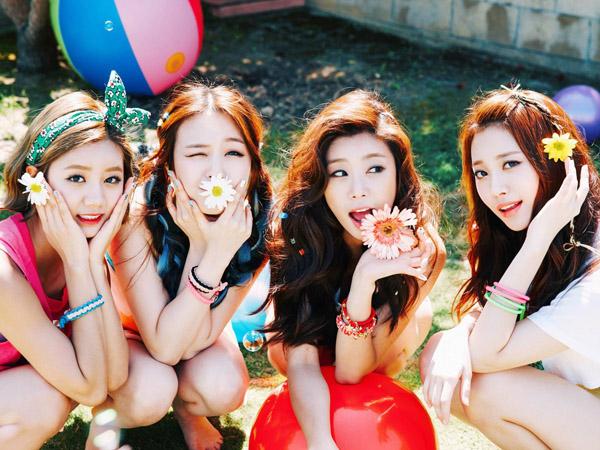 Girl's Day Tampil Seksi Tunjukkan Keceriaan Musim Panas dalam MV 'My Darling'