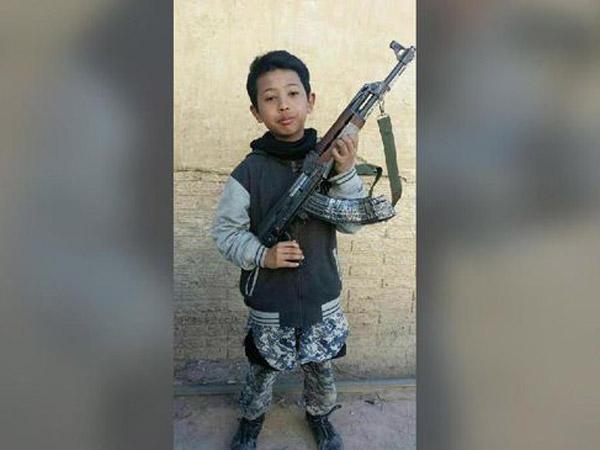 Bocah Asal Indonesia yang Tinggalkan Sekolah Demi ISIS Diberitakan Tewas di Suriah