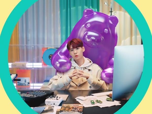 Lee Jin Hyuk Bermain Setelah Lelah Bekerja di MV Comeback 'Work Work'