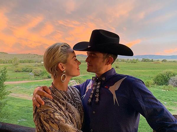 Katy Perry dan Orlando Bloom Bakal Menikah Akhir Tahun Ini