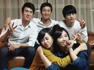 Manisnya Keluarga Drama 'Reply' Habiskan Waktu Bersama!