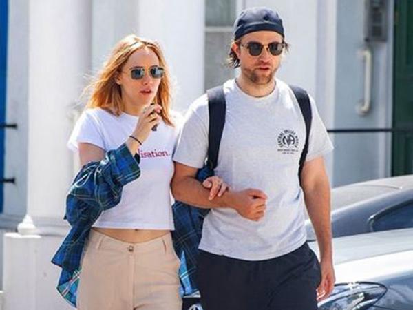 Dikabarkan Positif Covid-19, Robert Pattinson Malah Kepergok Ciuman dengan Kekasih