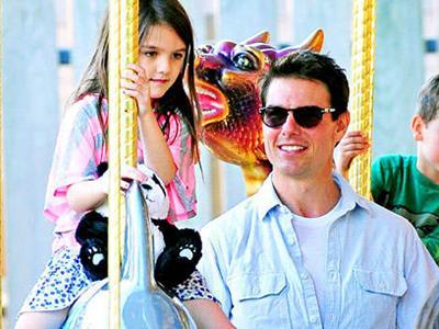 Lama Tak Jumpa, Tom Cruise Ajak Suri Jalan-Jalan