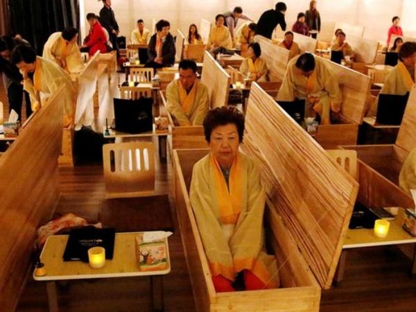 Belajar Tentang Hidup, Puluhan Ribu Orang Korea Ikut Layanan 'Pemalsuan' Kematian!