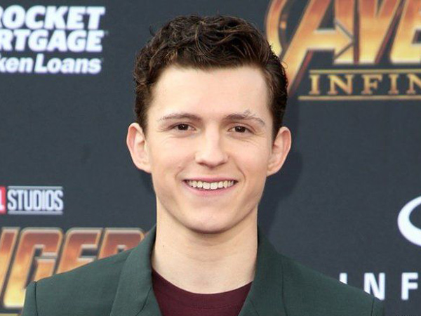 27tom-holland.jpg