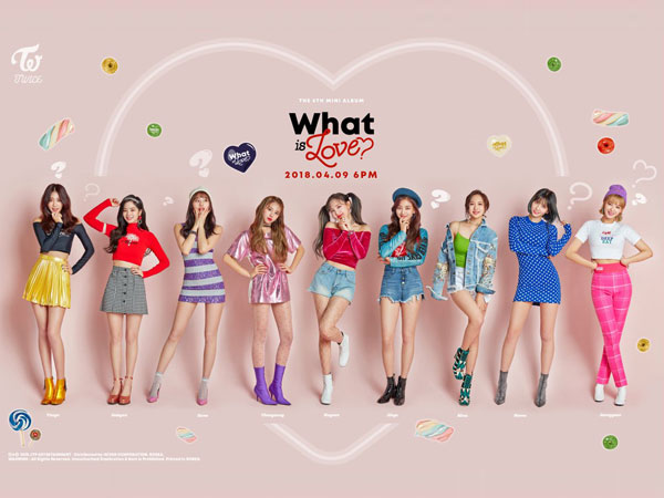Bedah Fashion Video Musik: TWICE - 'What Is Love?'