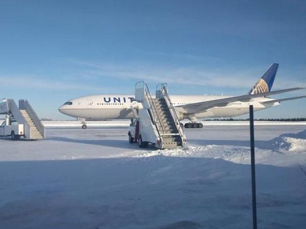 27united-airlines.jpg