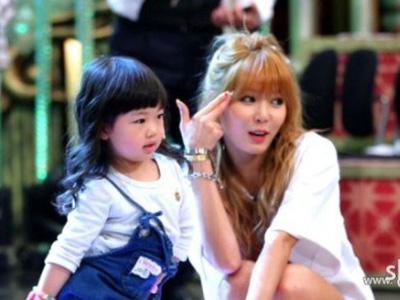 Setelah Psy, Kini Muncul HyunA 4Minute Versi Mini!