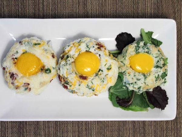 Cloud Eggs, Tren Menu Sarapan Unik yang Tampak Bak Matahari Diselimuti Awan!