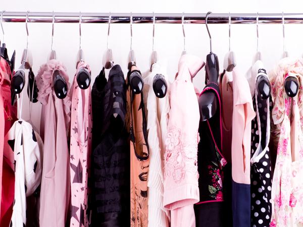 Ini Pentingnya Mencuci Baju yang Baru Dibeli Sebelum Dipakai