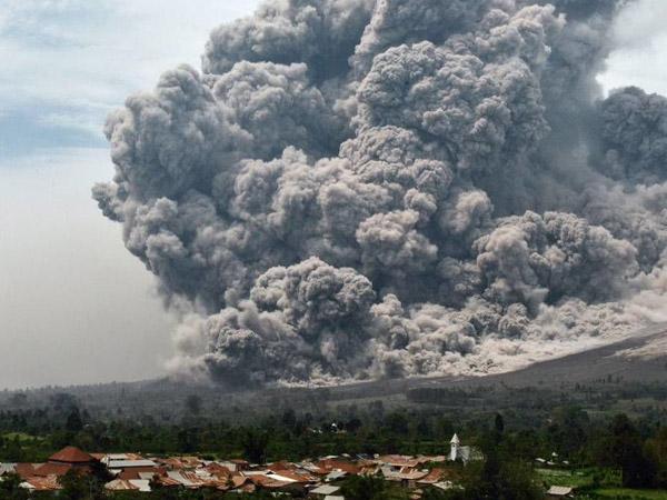 Beda Kode Peringatan Letusan Gunung Api di Indonesia dan Negara Lain