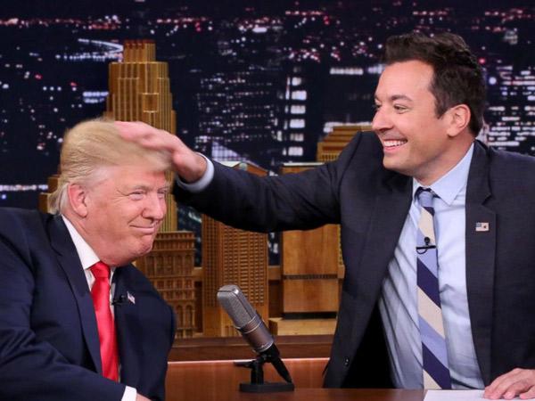 Sering Dikira Wig, Jimmy Fallon Berani Mengacak-Acak Rambut Donald Trump!