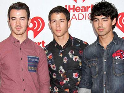 Jonas Brothers Akan Buat Film Konser Lagi?