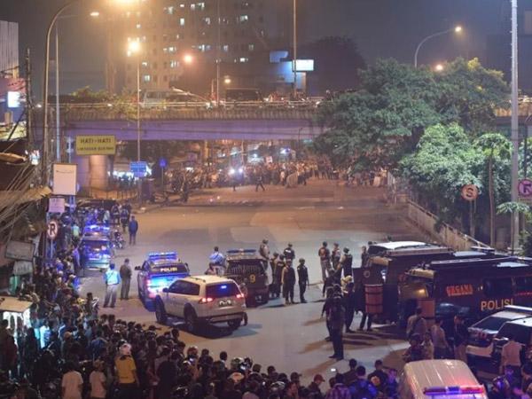 Pahami Bahaya Sebarkan Foto dan Video Korban Bom Bunuh Diri Kampung Melayu