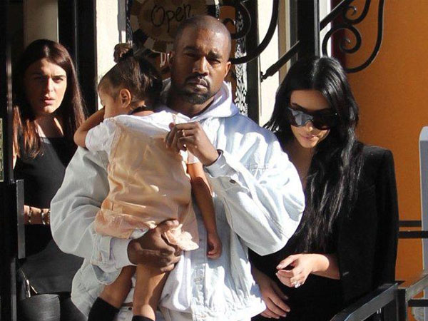 Tiga Tahun Menumpang, Kim Kardashian dan Kanye West Akhirnya Pindah dari Rumah Kris Jenner