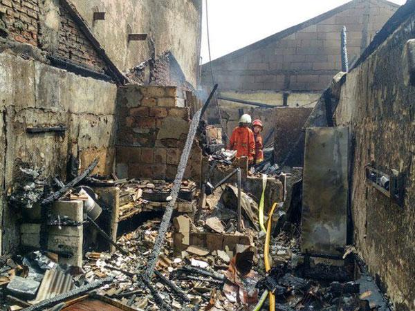 Kebakaran Rumah Makan di Kemang Tewaskan Seorang Bocah