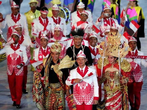 Sempat Dikritik, Kostum Indonesia di Pembukaan Olimpiade 2016 Justru Tuai Pujian Dunia