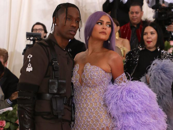 Sudah Punya Anak, Kylie Jenner Tak Lagi Berminat Menikahi Travis Scott