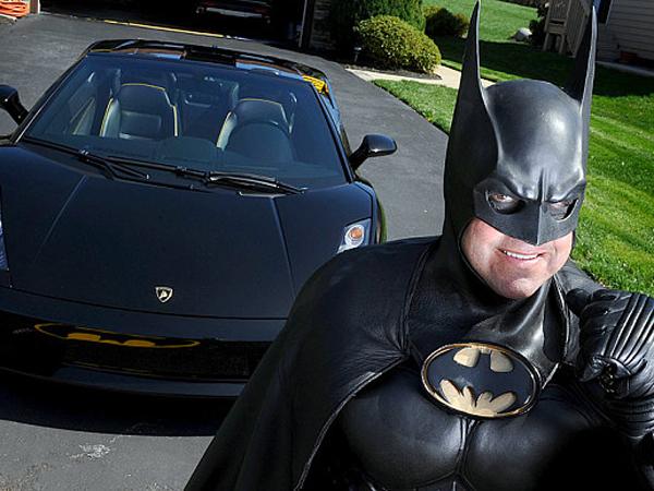 Batmobile Mogok, 'Batman' si Penghibur Anak-anak Sakit Tewas Tertabrak