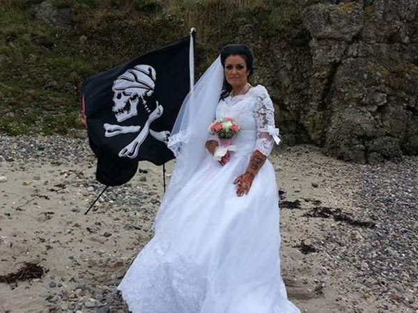 Merasa Dikecewakan, Wanita Ini Putuskan Menikah dengan Hantu