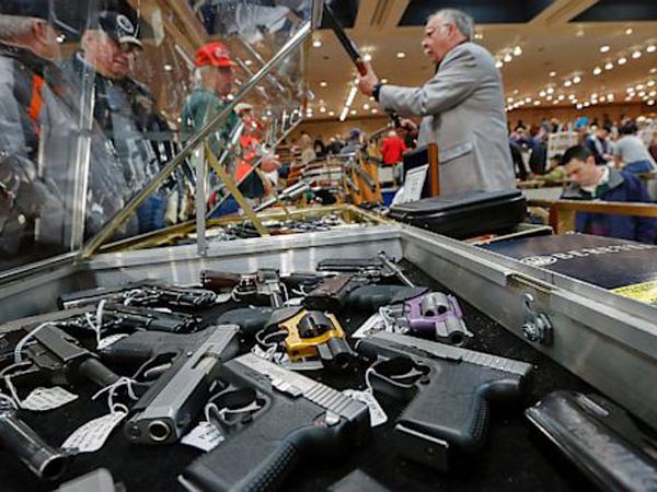 Tragedi Penembakan Kampus Kembali Terjadi, Toko Senapan Di Amerika Malah Laris Manis