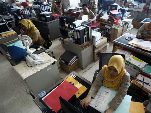 PNS Jakarta Pulang Jam 14.00 Selama Bulan Puasa, Bagaimana dengan Pelayanan Publik?