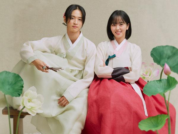 Lucunya Kim So Hyun dan Jang Dong Yoon 'Adu Cantik' di Pemotretan Poster 'Tale of Nok-du'