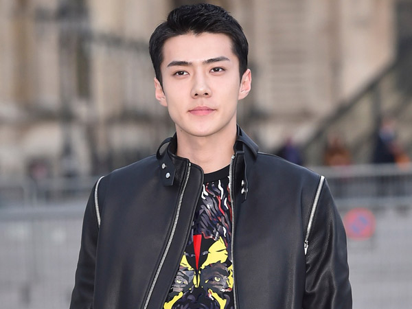 Sehun EXO Dinobatkan Jadi Seleb 'Louis Vuitton' Paling Stylish di Paris Fashion Week 2017!