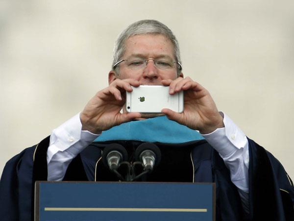 CEO Apple Salahkan Media Atas Turunnya Penjualan iPhone