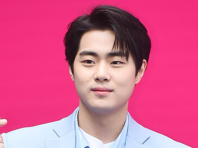 Jo Byeong Gyu Buat Klarifikasi Pribadi Soal Rumor Bully, Merasa Tidak Adil