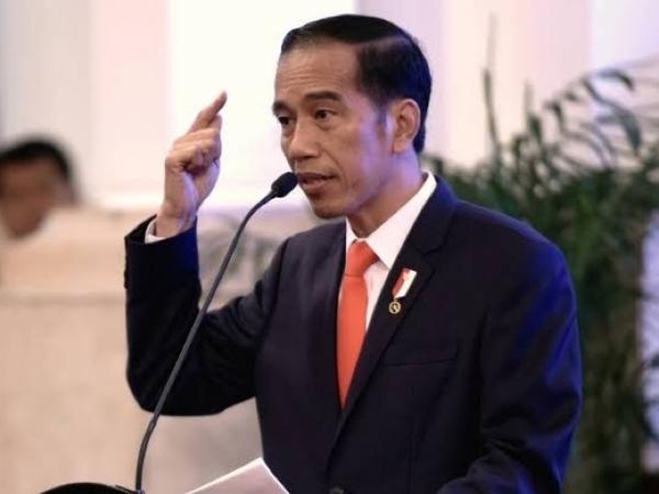 Penampakan Jokowi yang Tiba-tiba Sambangi Kantor PLN Pusat Pagi Ini