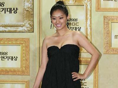 Aktris Hyun Jyu Ni Umumkan Pernikahan Pada Bulan Ini