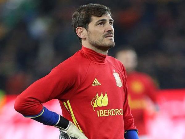 Tak Lagi Perkuat Skuad, Casillas Tolak Pensiun dari Timnas Spanyol